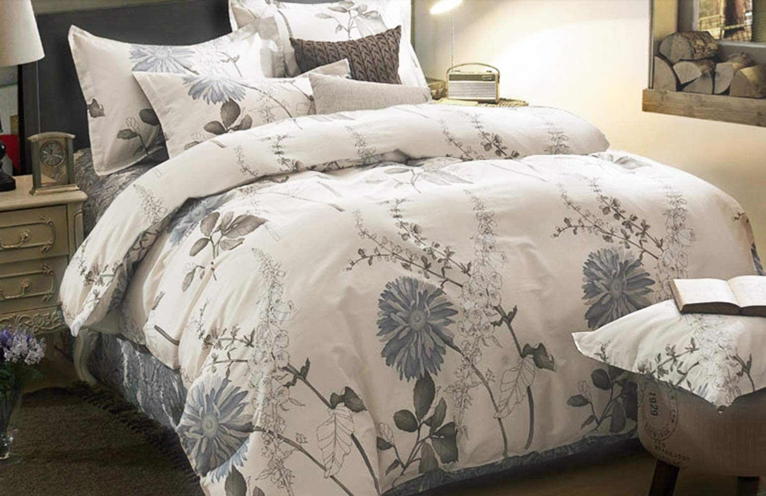 Wake In Cloud - Floral Comforter Set, Botanical Flowers Pattern Printed, 100% Cotton Fabric with Soft Microfiber Inner Fill Bedding (3pcs, Queen Size) - 【Design】Elegant botanical floral pattern print. Simple modern gift for teens, boys, girls, men or women. 【Set】1 comforter 90x90 inches (queen size), 2 pillow cases 20x26 inches. For extra pillow cases, please search B07GSQT8DJ. 【Material】100% cotton outer fabric with ultra soft microfiber inner fill. Durable, breathable, hypoallergenic, fade-resistant and machine washable. - comforter-sets, bedroom-sheets-comforters, bedroom - 71huCZvCbZL -
