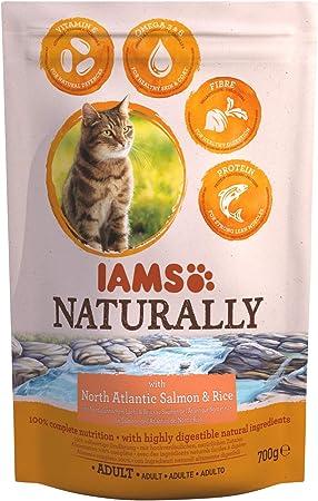 IAMS Naturally - Comida seca para gatos adultos con Salmón del Atlántico Norte y arroz, 700g