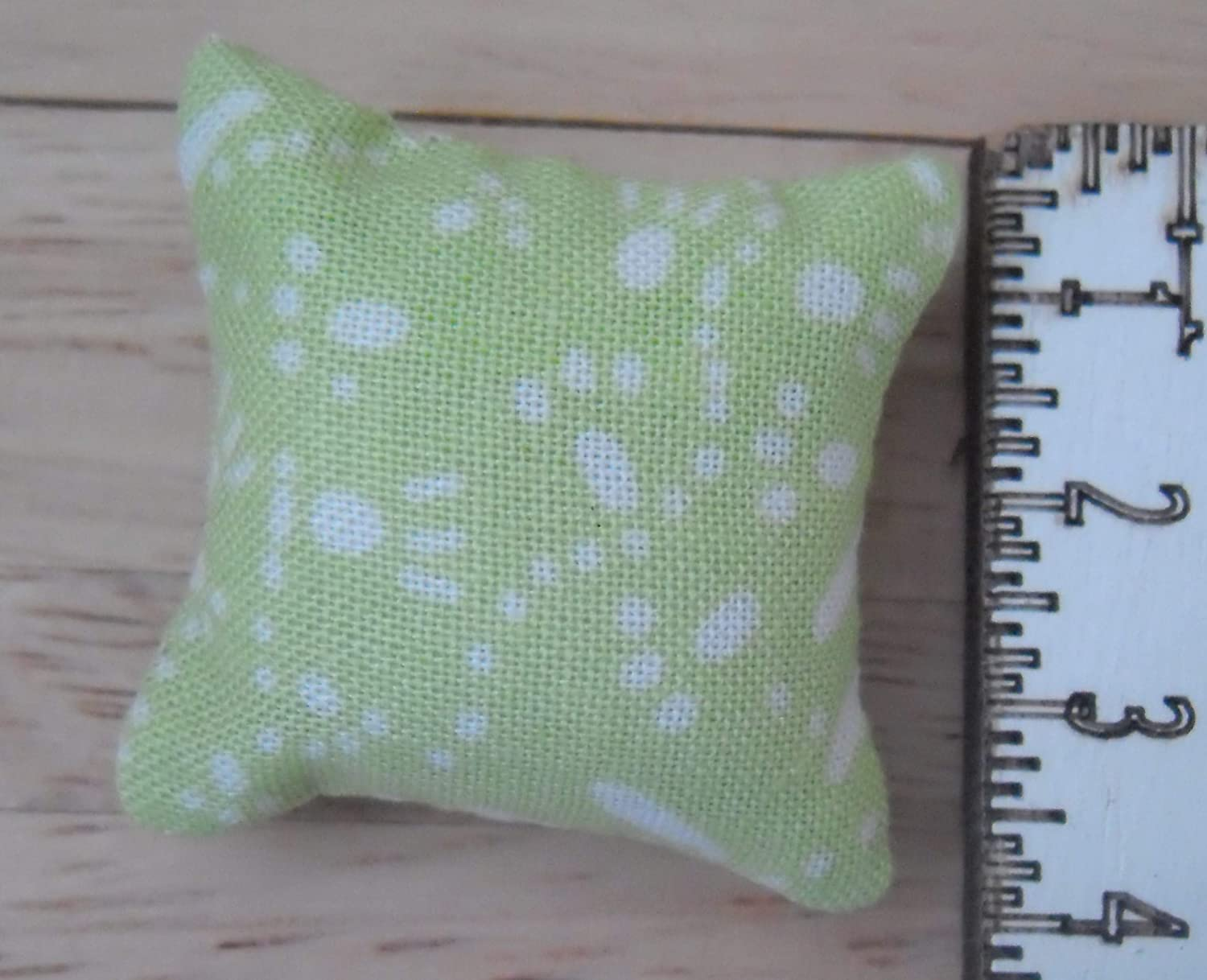 1//12th Scale Dolls House Printed Fabric Cushions Abstract Design in Green and White