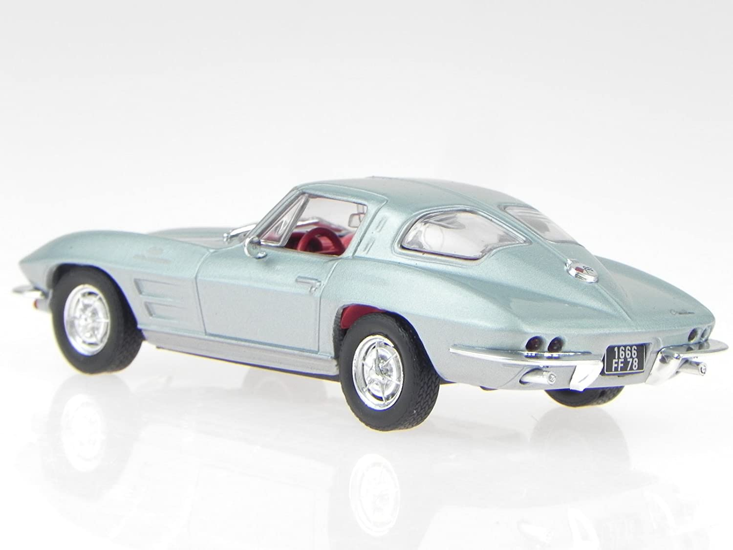 Chevrolet Corvette C2 Stingray 1963 silver modelcar Solido 1:43
