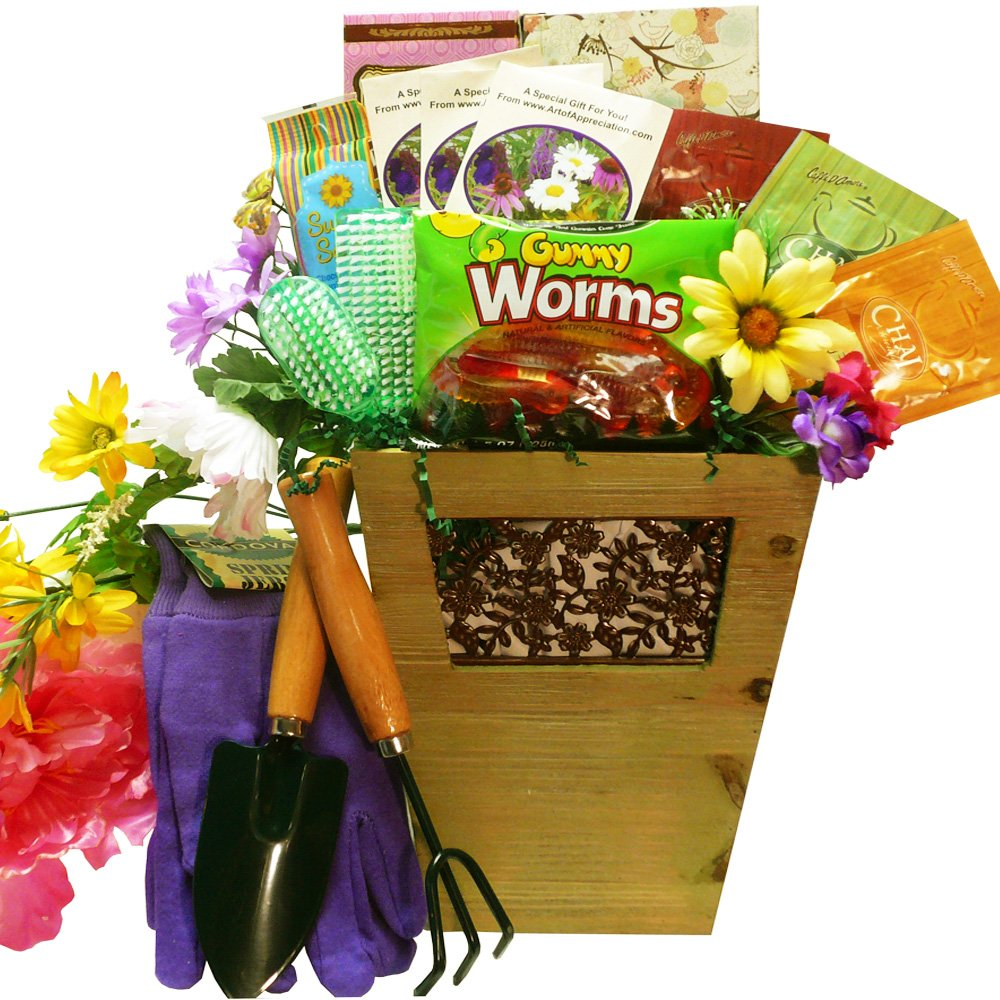 Sweet Gardening Pleasures Gift Basket - A Great Idea for Mom ...