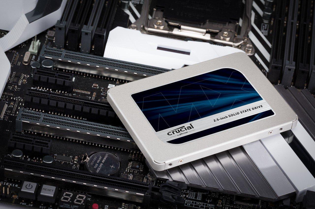 Crucial MX500 2TB 3D NAND SATA 2.5 Inch Internal  SSD Z CT2000MX500SSD1