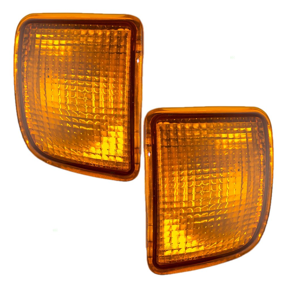 Driver and Passenger Signal Front Marker Lights Lamps Replacement for Toyota Pickup Truck 8152004010 8151004010
