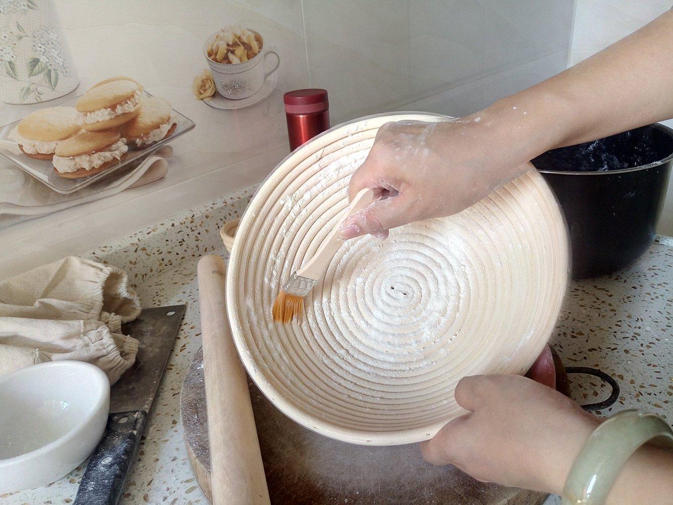 M JINGMEI Banneton Proofing Basket 10'' Round Banneton Brotform for Bread and Dough [Free Brush] Proofing Rising Rattan Bowl(1000g Dough) + Free Liner + Bread Lame by M JINGMEI (Image #3)