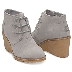 Toms Women's Desert Wedge Drizzle Grey Suede/faux Crepe Wedge Boot (7)