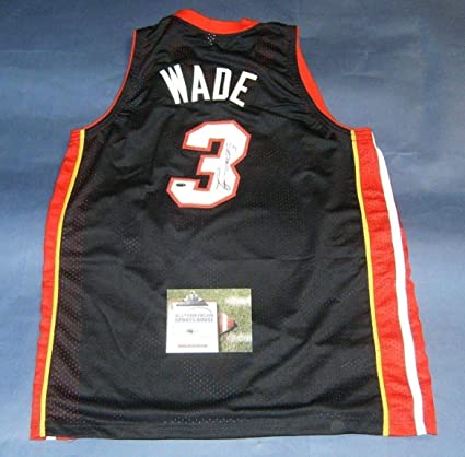 separation shoes 110a9 ea7d4 DWYANE WADE AUTOGRAPHED MIAMI HEAT JERSEY AASH at Amazon's ...