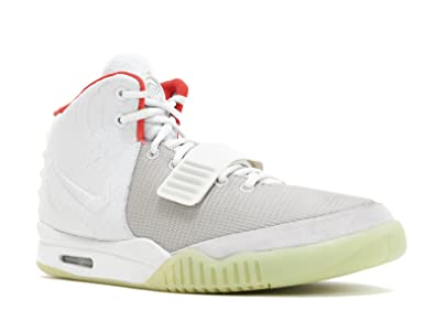 pretty nice ab58d 1d875 Amazon.com  AIR Yeezy 2 NRG - 508214-010  Basketball