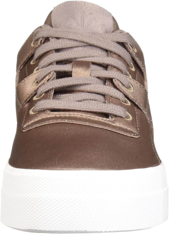 Reebok Women\'s Workout Plus Ankle-High Leather Fashion Sneaker Satin Sandy Tortora Bianco
