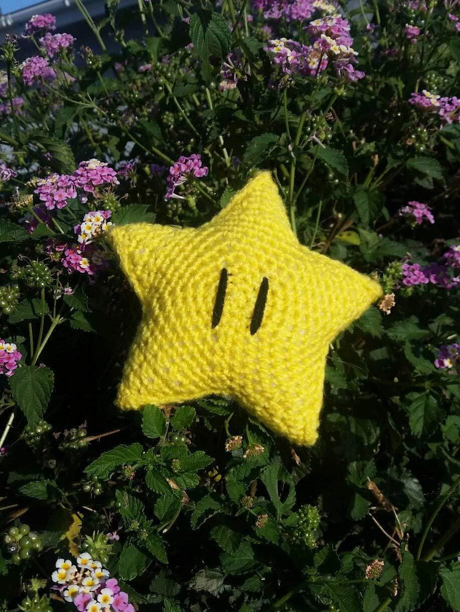 Crocheted Super Mario Bros Super Star
