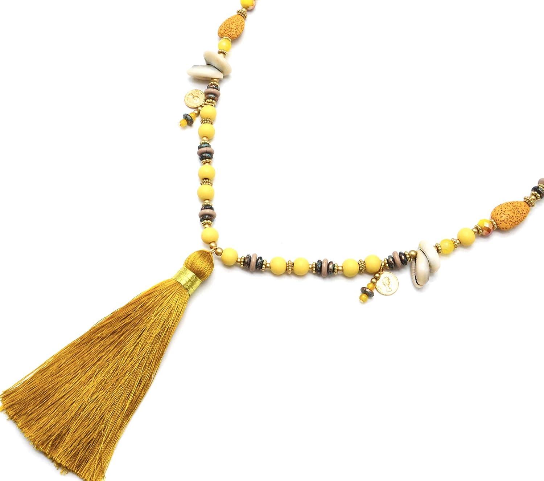 Oh My Shop CL2339F - Collar largo con perlas de madera y cristal con canios, piezas y pompón, color mostaza