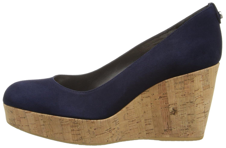 e6f14899b923 Amazon.com  Stuart Weitzman Women s York Wedge Pump  Shoes
