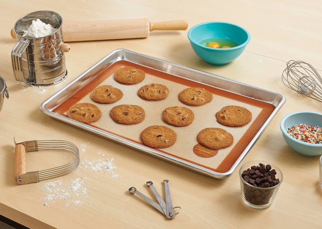 Anderson/'s Baking Non-Stick Crisping Pan 13-Inches x 18-Inches PFOA Free US Half Size Mrs BPA Free