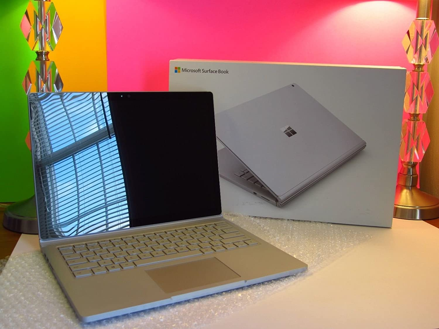 Microsoft Surface Book 256GB with Performance Base (2.6GHz Core i7, 8GB RAM, 13.5 Inch TouchScreen, 16 Hour Battery) Version