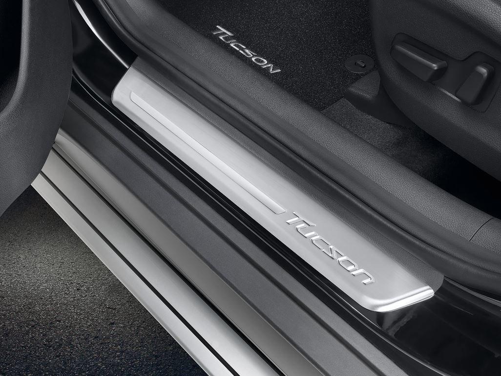 Genuine Hyundai Tucson entrada guardias - 4 piezas - d7450ade00st: Amazon.es: Coche y moto