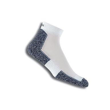 ddf092489 Amazon.com: Thorlos Unisex Light Running Thin Padded Socks (Ankle / Low  Cut): Clothing