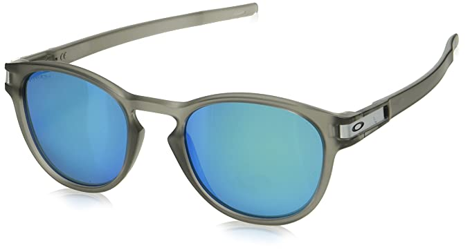 5d560d90c7 Amazon.com  Oakley Unisex Latch Polarized Sunglasses