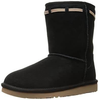 UGG K Classic Short Carranza Pull-On Boot, Black, 1 M US Little