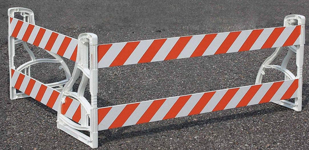 Polyethelene 36 x 36 x 36 6 lb Barricade Leg White