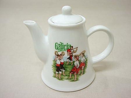 Figura Mini CAFETERA Porcelana Souvenir Galicia 110ML: Amazon.es ...