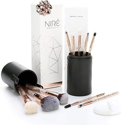 Essential Glow Set de Niré Beauty Brochas de maquillaje de Purpurina con Estuche de brochas y Cepillo de limpieza facial: Amazon.es: Belleza
