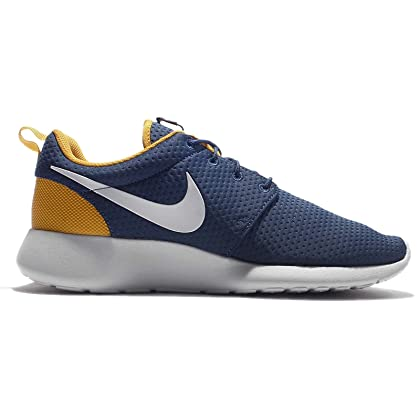 17567aa627b91 ... NIKE Men s Roshe One Sneaker (9