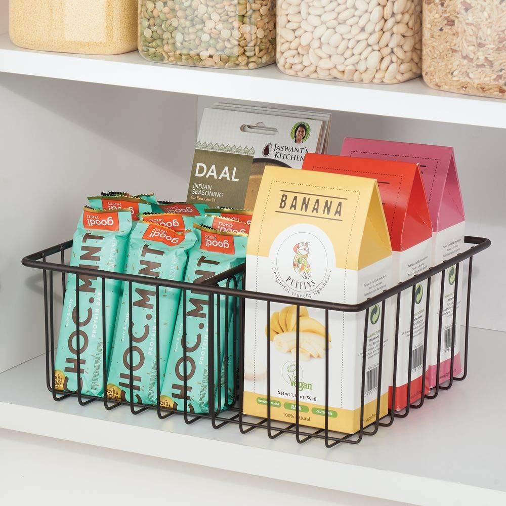 mDesign Organizador de tapaderas Pr/áctica cesta de almacenaje con 3 compartimentos para ordenar tapas color bronce Moderna cesta met/álica para organizar la despensa