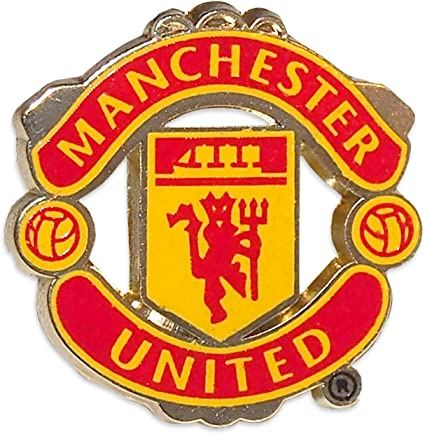 amazon com manchester united pin logo sports related collectibles sports outdoors manchester united pin logo