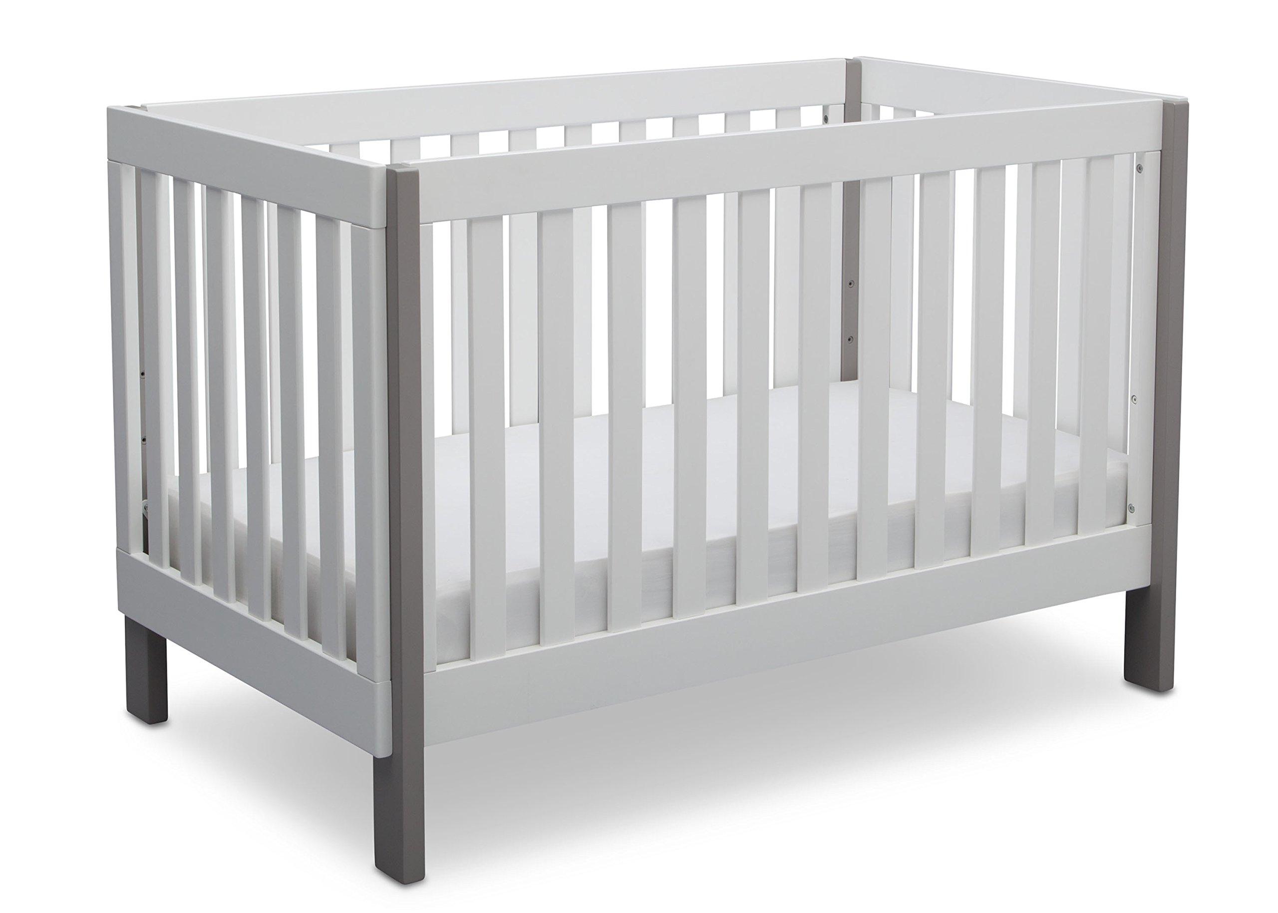 Delta Children Bellevue 3-in-1 Convertible Crib, Bianca with Grey