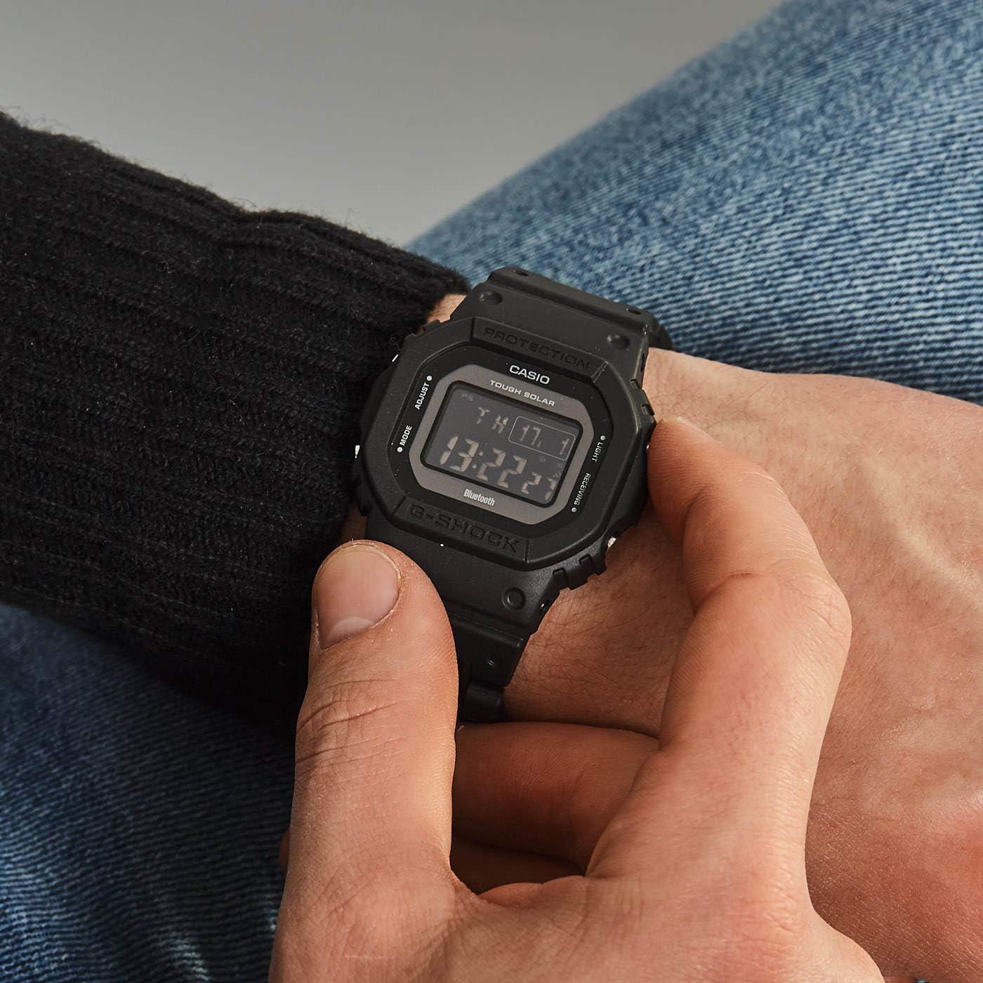 Casio Montres Bracelet GW B5600BC 1BER: : Montres  JkiaQ