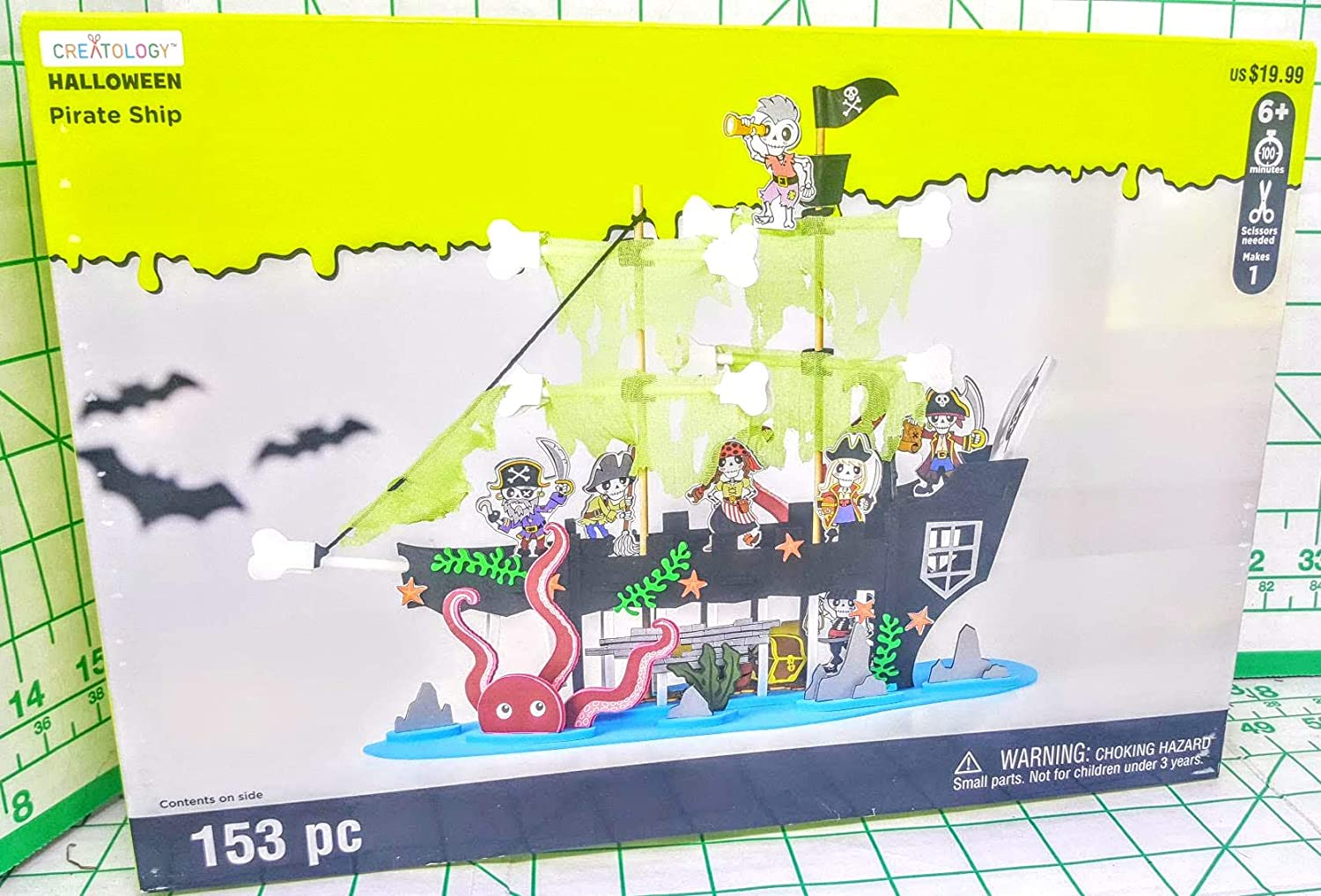 Creatology Halloween Pirate Ship with 7 Skeleton Pirates 153 Piece kit scissers Needed MSRP $29.99 MSPCI