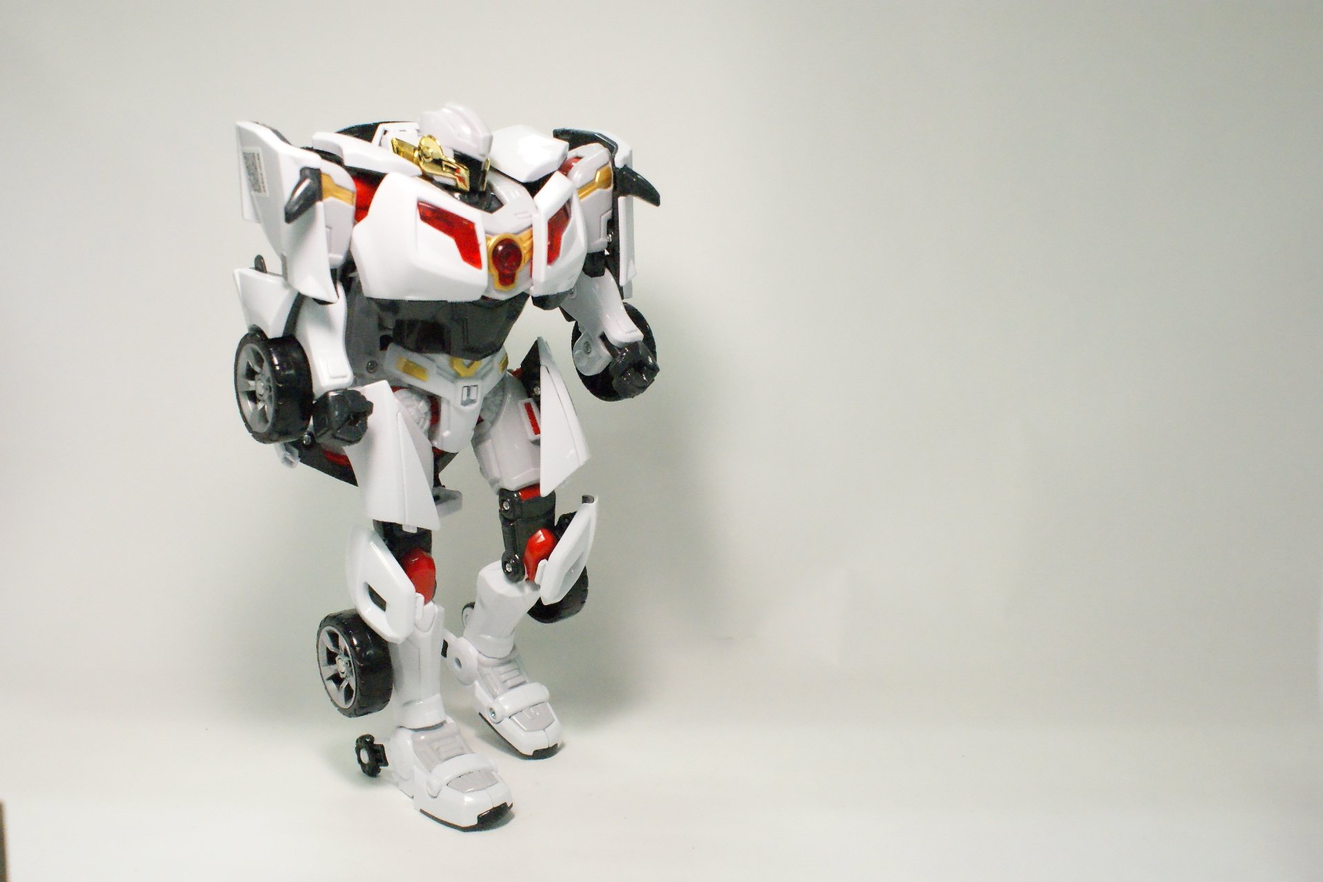 Tobot Youngtoys Evolution Y Shield-On Car Transforming Robot Car to Robot Animation Character by Tobot (Image #4)