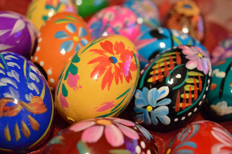 Wooden World Set di legno uova di Pasqua–dipinto a mano–Decorazione–60x 45mm–le dimensioni della gallina–ideale per Pasqua, Natural, 65x45mm