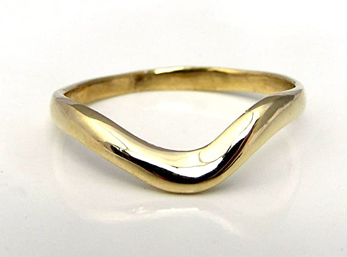 Amazon Com 14k Yellow Gold Wave Wedding Ring Band Gently Curved