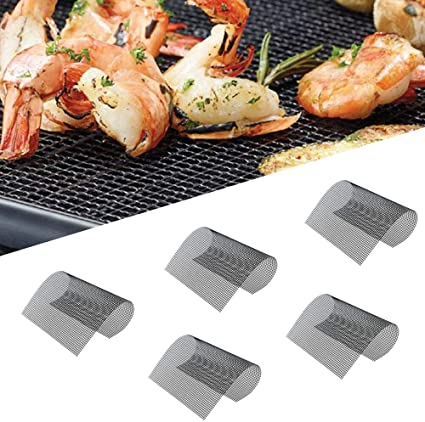 Amazon Com Bbq Grill Mesh Mat Set Of 5 Non Stick Reusable Heavy Duty 13x15 75 Inch Heat Resistant Pad Easy To Clean Ptfe Coated Fiberglass Silicone Free Suitable For Smoker Pellet Gas Charcoal Grill Black Garden