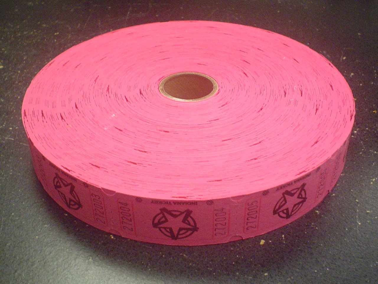1 X 2000 Hot Pink Star Single Roll Consecutively Numbered Raffle Tickets