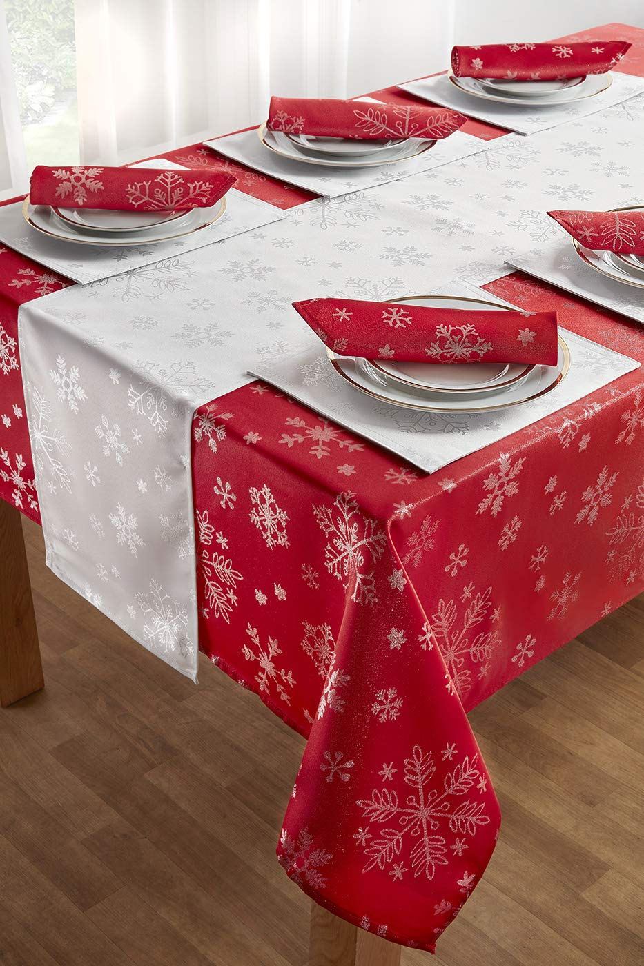 YourHome 14 piece Christmas table linen set with metallic gold woven pattern cream/&gold