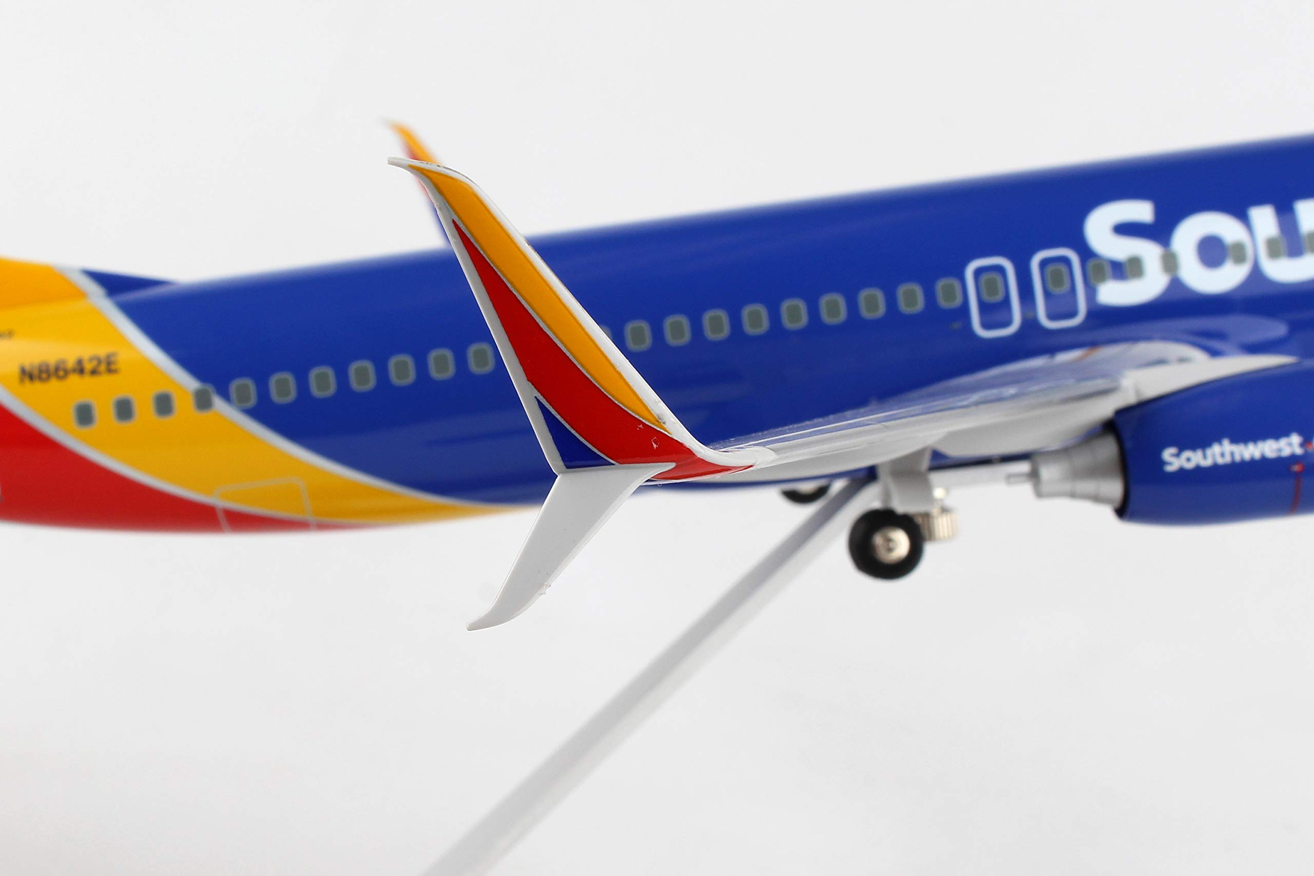 Daron 737-800 Skymarks Southwest Airplane Model with Gear & Wood Stand Heart (1/100 Scale) by Daron (Image #6)