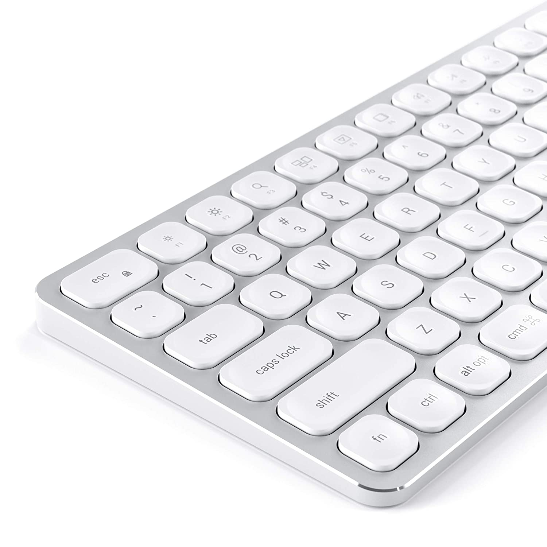 SATECHI kabelloses Bluetooth Keyboard mit numerischem Keypad und Sync-Funktion f/ür 3 Ger/äte aus Aluminium Gro/ßbritannien Englisch , Space Grau