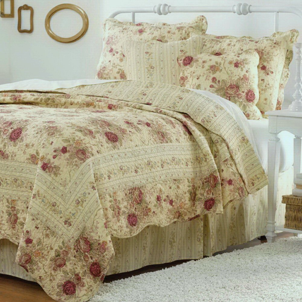 Cottage Romantic Quilt Set with Shams Floral Roses Print Pattern Cream Yellow Luxury 100 Cotton Reversible 3 Piece Bedding King Size - Includes Bed Sheet Straps