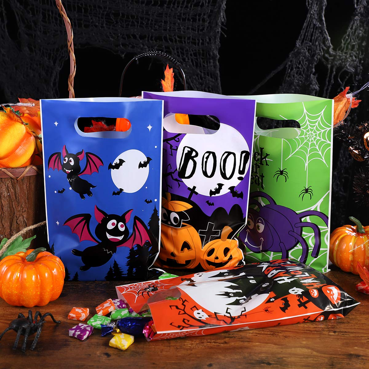 Halloween Trick or Treat Plastic Candy Bags, Portable Reusable Halloween Goody Gift Bags with Handle 120 Pieces