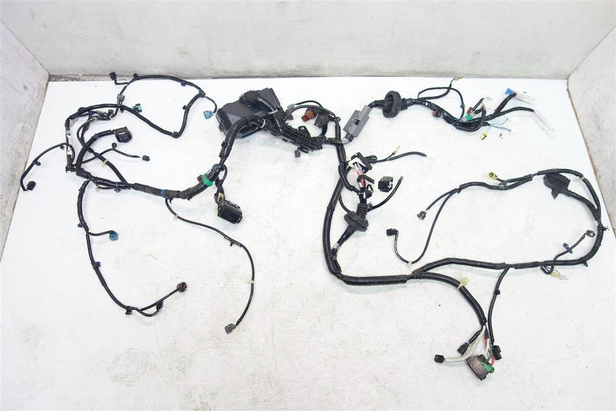 71ivlyNwO7L._SL1200_ amazon com 2015 2016 honda cr v lx headlight wire harness wires 2014 Honda CR-V at beritabola.co