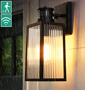 Dusk to Dawn Motion Sensor Outdoor Wall Light,Exterior Outdoor Motion Porch Light Fixture with E26 Bulb,Anti-Rust Alluminum Waterproof Wall Mount with for Garage Balcony, Motion Activated