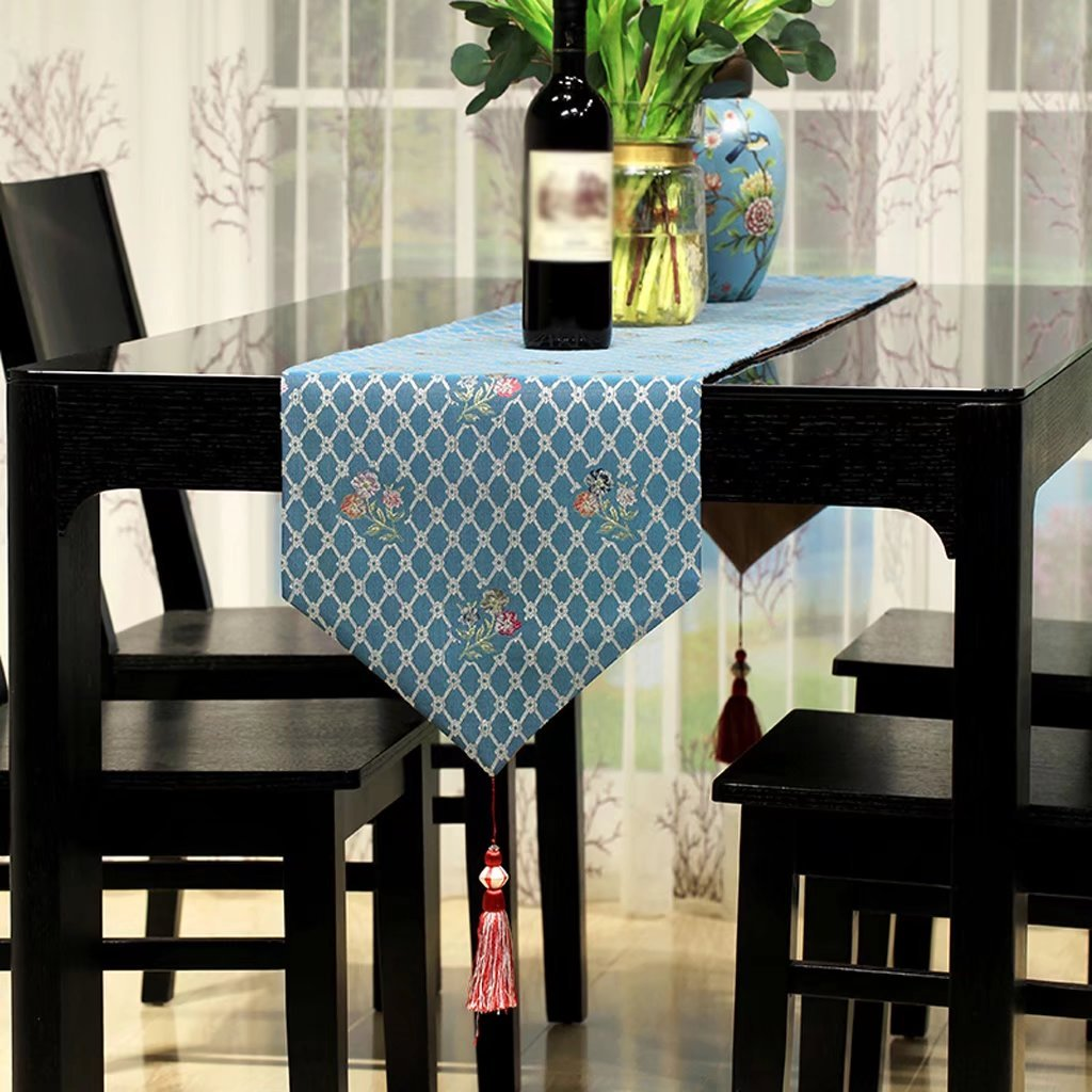 32180cm TABLE RUNNER European style farmhouse style Table flag Selected base fabric Cloth decoration luxurious table cloth classic Wild Table mats coffee table decoration Home furnishings Bed towel
