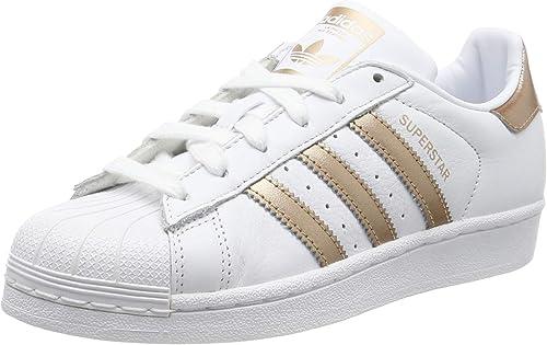 adidas donne paires de chaussures