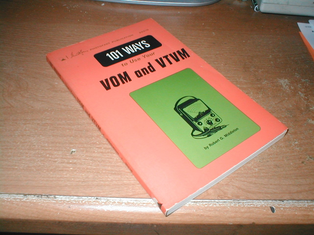 101 more ways to use your VOM and VTVM /by Robert G. Middleton: Robert  Gordon Middleton: Amazon.com: Books