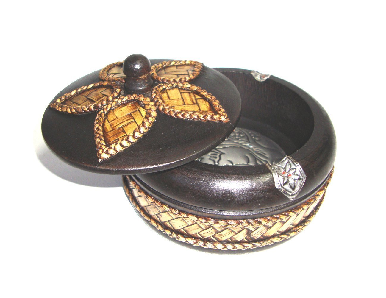 CONSERVE Thailand : Ashtray With lid, Thai Carved Handicraft Round Mango Wood Bamboo Weave Around. Size : 5 x 5 x 2.5 inches. By Brand by CONSERVE
