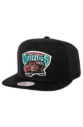 detailed look c47ae 1cbdb Mitchell   Ness Men s Vancouver Grizzlies HWC Wool Solid Snapback Hat One  Size Black