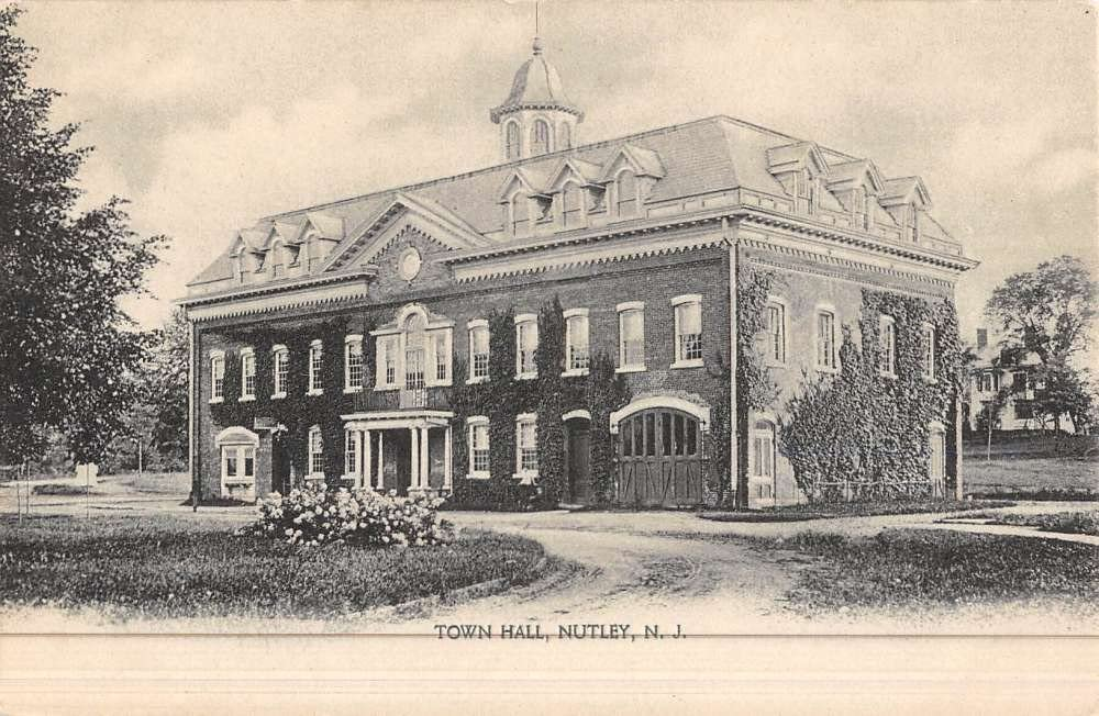 1907 LYNN, Massachusetts Postcard CITY HALL Street View