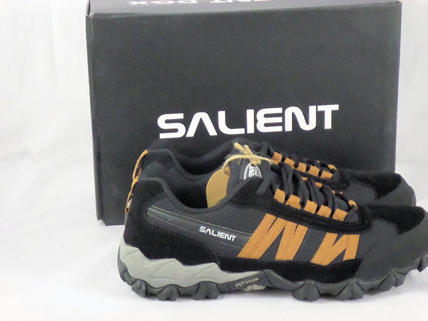 3dcdac5f2465a Amazon.com   Disc Golf Shoes with Salient Disc Logo   Sports   Outdoors