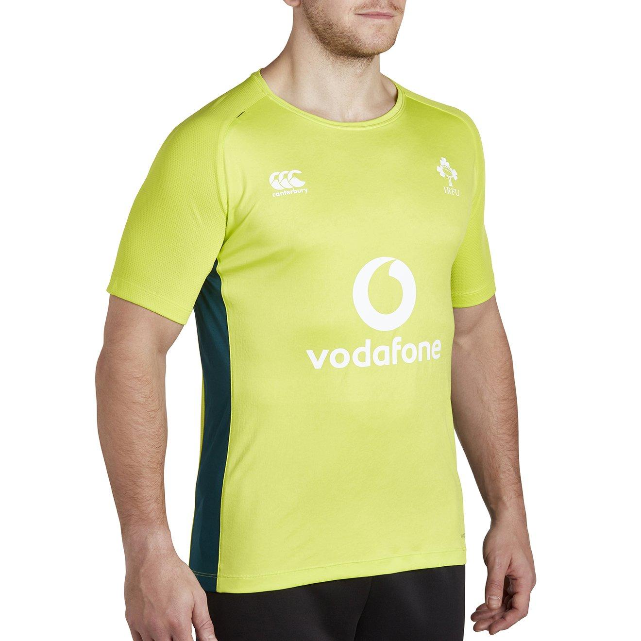 87f3f1e81d2 Canterbury Men's Ireland Vapodri Superlight Poly T-Shirt: Amazon.co.uk:  Sports & Outdoors